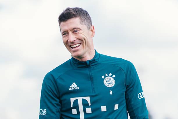 Lewandowski Set For Injury Return, Eyes Gerd Müller's Record