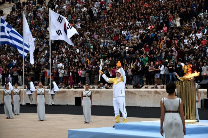 Video: Olympic flame officially handed over to PyeongChang