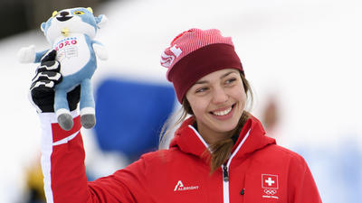 Swiss reserve skier captures first gold of Lausanne 2020 with victory in women's Super-G. Sweden take gold in men's event