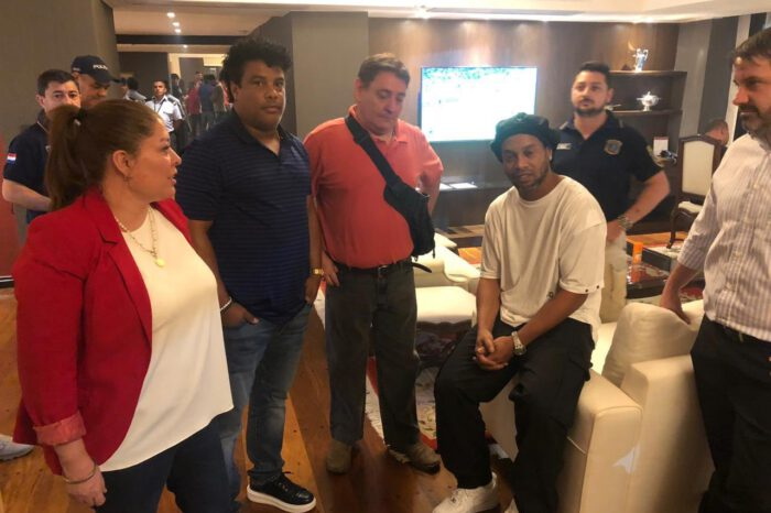 Ronaldinho And His Brother Arrested In Paraguay For The Possesion Of Fake Passports.