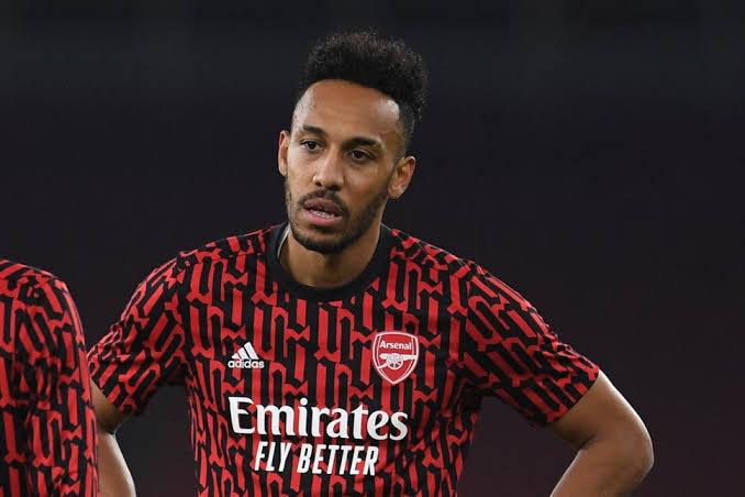 Aubameyang says absence due to mother's illness