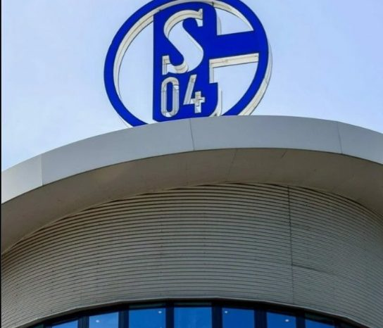 Schalke 04 players attacked with eggs by fans after relegation