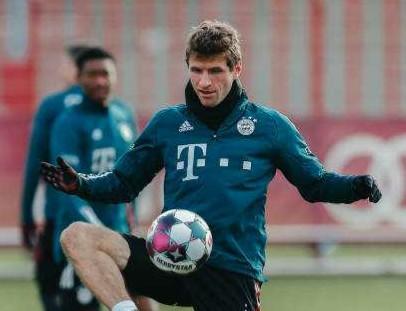 Thomas Müller Providing Virtual Football Training For Kids At Home